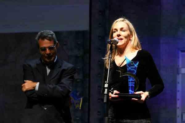 dino patrocina prêmio comunique-se